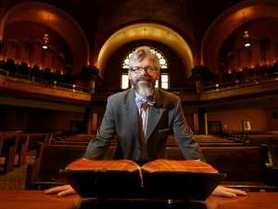 historic-dominion-chalmers-united-church-in-downtown-ottawa